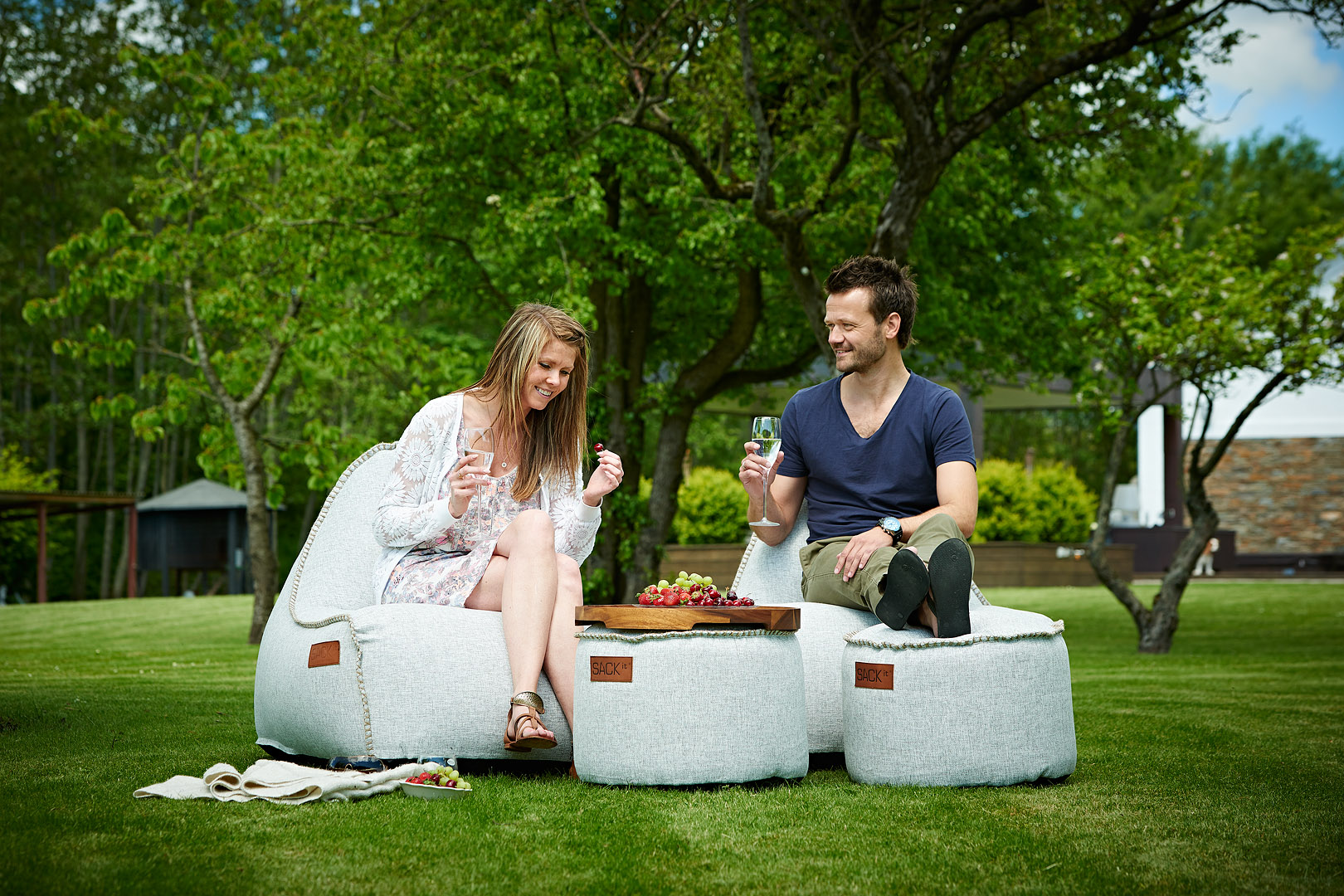 sackit f r drinnen und drau en wohn design blog. Black Bedroom Furniture Sets. Home Design Ideas